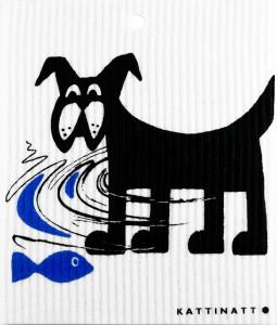 Hund fångar fisk